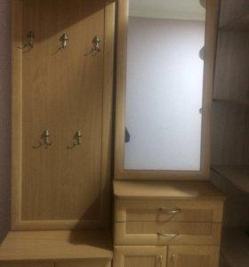 Шкаф для обуви с зеркалом и вешалкой