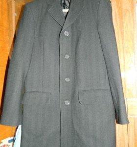 Осеннее мужское пальто