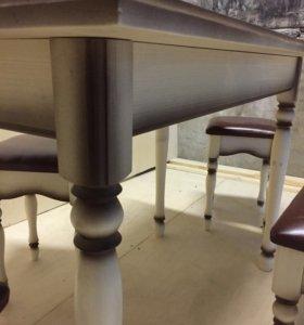 Стол кухонный с табуретами