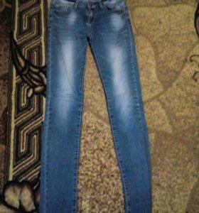 Брюки(48)• джинсы (28)