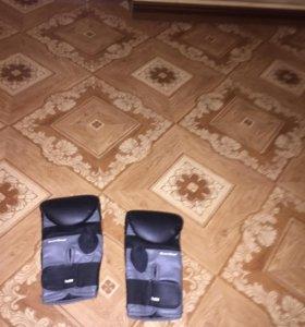 Перчатки боксёрские/снарядные