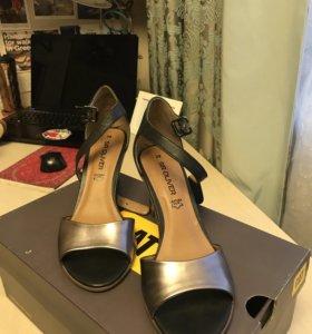 Обувь. Босоножки. 39р.