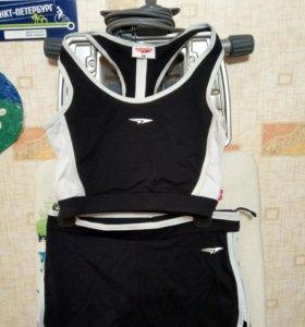Топик и шорты для фитнеса