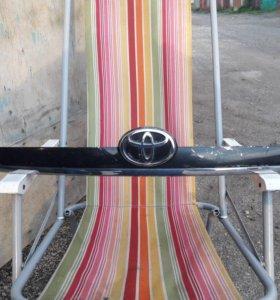 Молдинг 5-й двери Toyota Corolla Filder