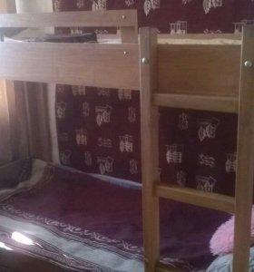Продам двухъярусную кровать срочно