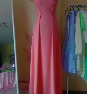 Платье коралового цвета