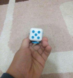 Фиджет куб