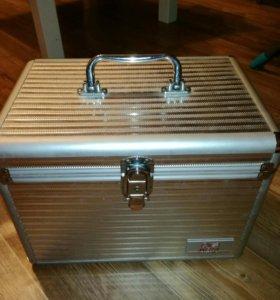 Бьюти-кейс,чемодан для косметики Wella