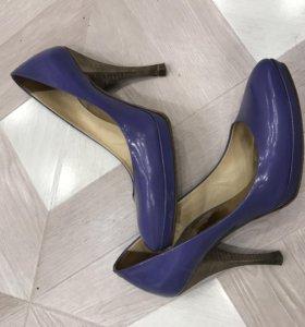 Женские туфли Adami