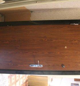 металическая сейф дверь