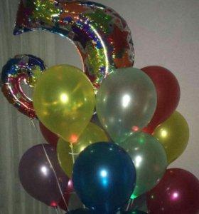 Гелиевые шары в виде цифр.