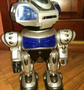 Интерактивный робот