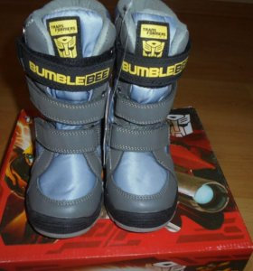 Продаются новые зимние ботинки.Размеры 29.