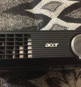 Acer x1261p