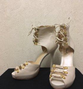 Шикарные туфли Basconi