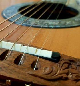 Установка струн на гитару