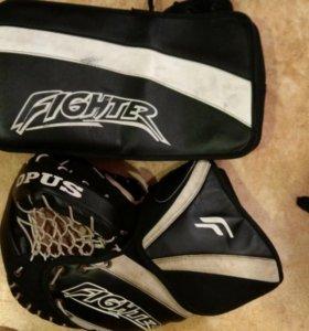 Вратарская форма для хоккея