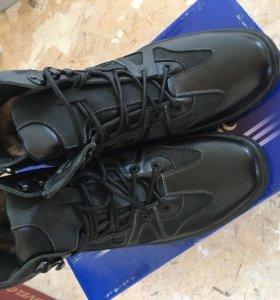 Новые зимние ботинки 41