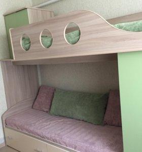 Двухъярусная кровать + письменный стол