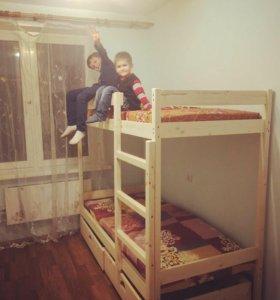 Кровать двухъярусная новая.