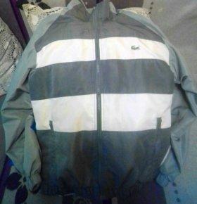 Куртки ветровки на мальчика по 300 рублей
