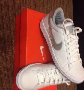 Продам новые Nike original кожа размер 43