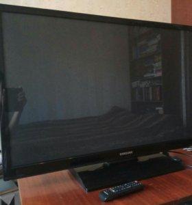 Плазменный телевизор Samsung PS43E450A1W