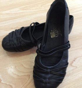 Туфли без каблука.