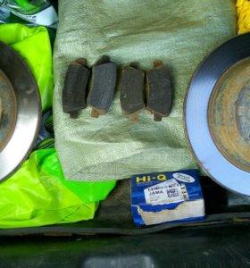 Тормозные диски и колодки Kia Rio/Hyundai Solaris