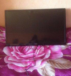 Телевизор PHILIPS 102 см.
