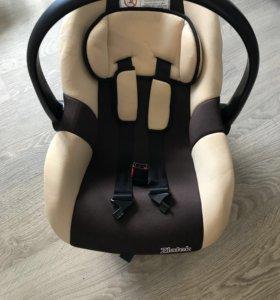 Детская переноска – автомобильное кресло