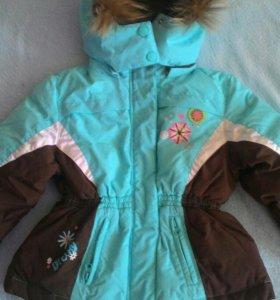 Новая зимняя куртка на девочку.
