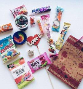 Подарок с китайскими сладостями
