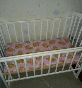 Кроватка-качалка с матрасом