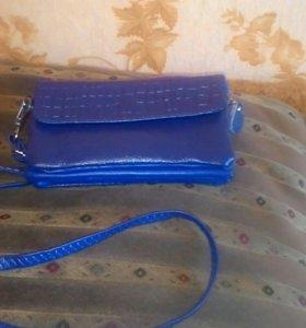 Женская маленькая сумочка-кошелек.