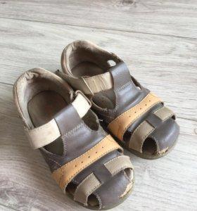 Обувь детская 28 размер.