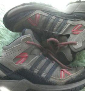 Ботинки Адидас 34 размера