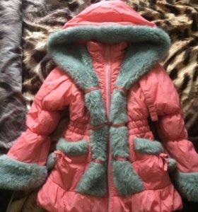 Куртка зимняя на девочку 4-6 лет