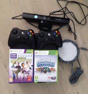 Xbox 360 с играми и геймпадоми