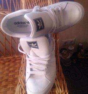 Кроссовки adidas р.42-43