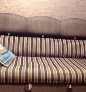 Диван и кресло, хол
