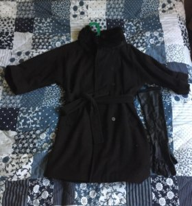 Пальто с мехом натуральным