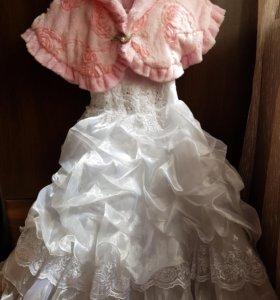Детское, в платье на 5-6 лет.