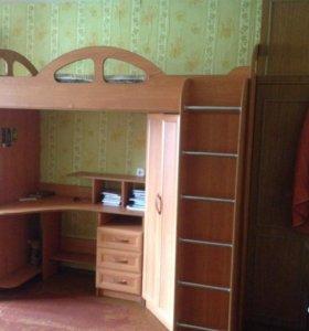 Продам двух ярустную кровать