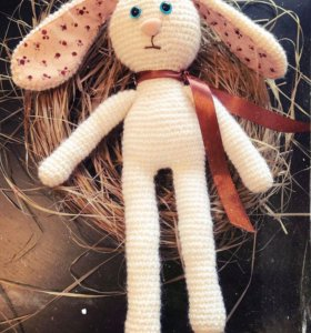 Вязанный зайка (игрушка, заяц)