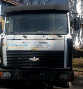 Седельный тягач МАЗ 2001г.в.