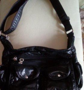 Новая кожаная сумка чёрного цвета