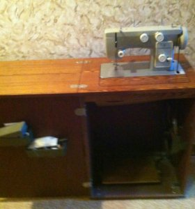 Машинка швейная Чайка 142 М ножная