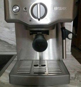 Продам кофемашину Bork