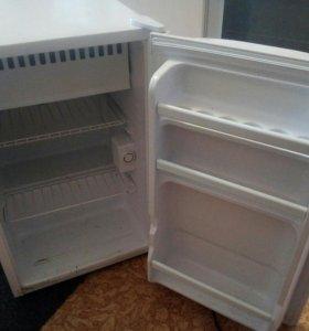 Холодильник .торг уместен